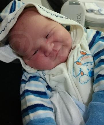 thomas bebe sorrindo